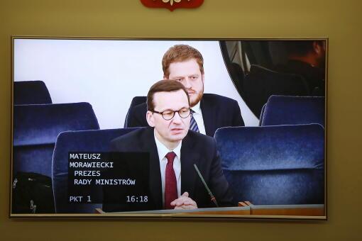 Koronawirus w Polsce. Premier Mateusz Morawiecki w Senacie o recesji w Niemczech i USA | Z kraju