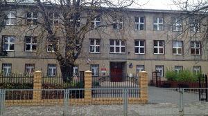 Gimnazjum zostaje na Twardej do 2016