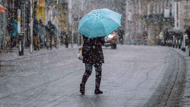 Pogoda na jutro: od deszczu po śnieg. Dodatkowo silnie powieje