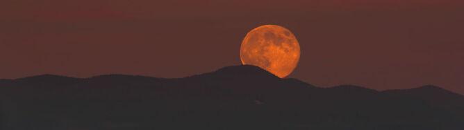 Czeka nas astronomiczny hat trick: superksiężyc zaświeci trzy razy z rzędu