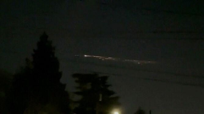 Część Falcona 9 rozświetliła niebo, płonąc w atmosferze