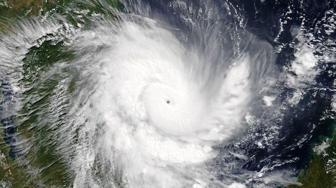 Zdjęcie satelitarne cyklonu Kenneth z 25 kwietnia (NASA EOSDIS Worldview)