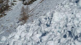"""Opady śniegu i silny wiatr. """"To mieszanka, która zawsze oznacza problemy w górach"""""""